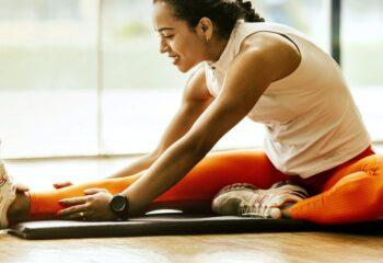 Estiramiento isquiotibiliales para prevenir lesiones musculares